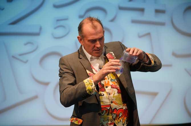 Dr Ken Maths show volume effect